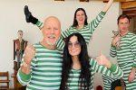 Bruce Willis e Demi Moore, i due ex insieme per la quarantena: le foto in pigiama