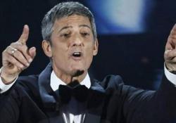 Fiorello: «La nuova App? Dovrebbe chiamarsi 'Immane', come la tragedia che stiamo vivendo» Lo showman interviene a sorpresa ai microfoni di Rai Radio2 - Corriere Tv