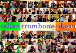 I trombonisti d'Italia: in 70 tutti insieme (via web) per un pezzo inedito Un pezzo a distanza ma tutti insieme per sentirsi più vicini - Corriere Tv