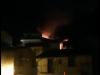 Incendio in una palazzina a Lamezia Terme, ustionati una bambina e il padre