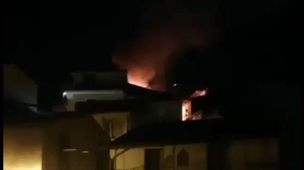 incendio, lamezia terme, Catanzaro, Calabria, Cronaca