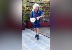 #iorestoacasa, Gene «Emilio Valderrama» Gnocchi e l'arte del palleggio Il video su Twitter - Ansa
