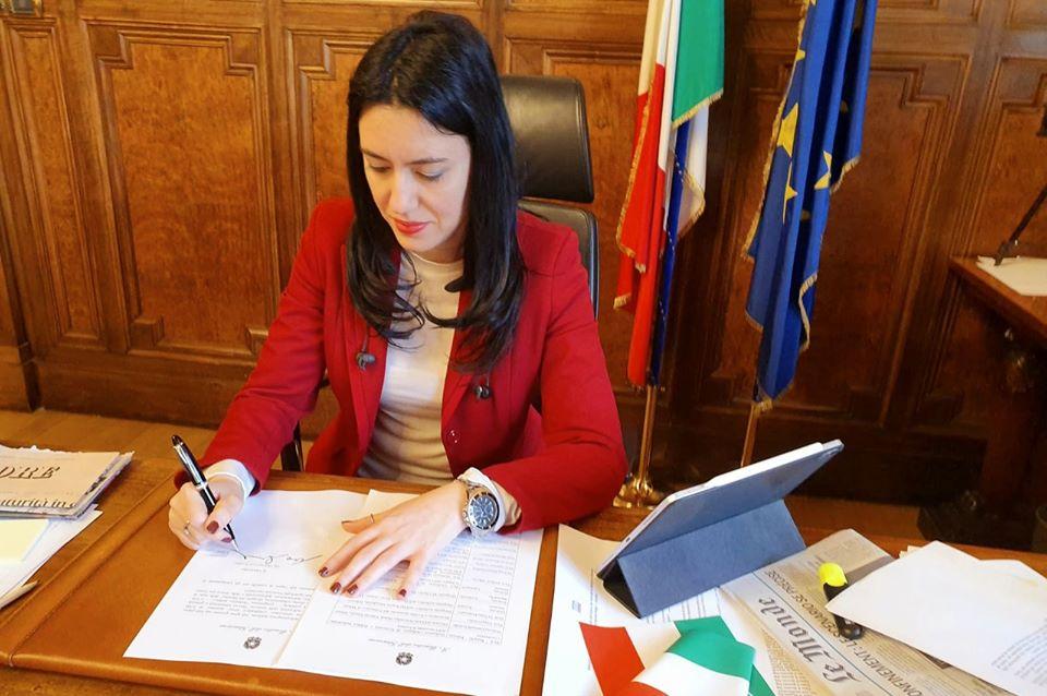 Il ministro Azzolina: esami di maturità di presenza, c'è l'ok del ...
