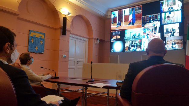 coronavirus, palazzo chigi, Giuseppe Conte, Nello Musumeci, Sicilia, Politica