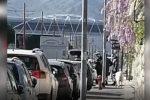 A passeggio con una pecora al guinzaglio per eludere i controlli anti-coronavirus, un uomo multato a Palermo