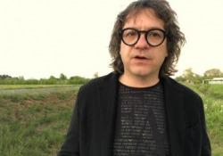 Remo Anzovino, un viaggio sonoro per l'Earth Day Il pianista friulano ha composto la «Sinfonia della Terra» in occasione della ricorrenza che si celebra martedì - Corriere Tv