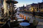"""Santelli riapre bar e ristoranti in Calabria, l'opposizione insorge: """"Scelta irresponsabile"""""""