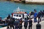 Sbarchi senza sosta a Lampedusa, 791 migranti in 48 ore e il sindaco fa appello a Conte