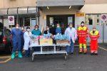 Policlinico di Messina, omaggio di uova di Pasqua al personale del Covid Hospital