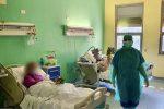 Pasqua, donate uova di cioccolato a medici e pazienti Covid dell'ospedale di Messina