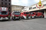 Coronavirus, l'omaggio dei pompieri di Messina al personale sanitario del Papardo