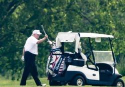 «100.000 americani morti. E il presidente gioca a golf». Lo spot di Biden Il candidato democratico alla Casa Bianca ha diffuso uno spot in cui accusa il presidente americano - CorriereTV