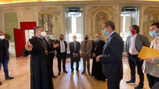 Sì al cammino di Santa Rosalia in Sicilia, 187 chilometri fra strade e sentieri: accordo Regione-diocesi