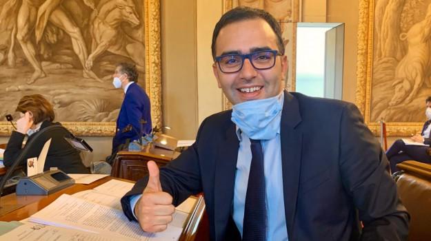 finanziaria sicilia, lavoratori stagionali, Danilo Lo Giudice, Vincenzo Figuccia, Sicilia, Politica
