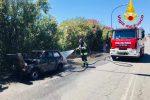 Auto prende fuoco lungo l'A20 all'altezza dello svincolo per Barcellona