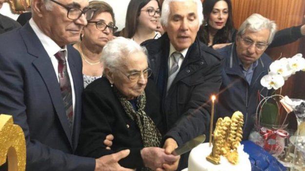 sant'onofrio, Maria Andreana Figliano, Catanzaro, Calabria, Società