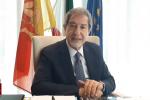 Coronavirus, Musumeci prepara il decreto: in Sicilia bar aperti fino alle 20 e ristoranti fino alle 22