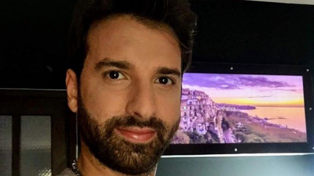 attore, cantautore, musica, Pasquale Ficchì, Catanzaro, Calabria, Cultura
