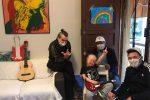 Bambino malato di Isola Capo Rizzuto realizza il sogno di cantare con Piero Pelù - Video