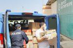 Reggio, la polizia distribuisce beni di prima necessità alle famiglie in difficoltà