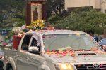 Crotone, il Quadricello della Madonna di Capocolonna sfila a bordo di un fuoristrada