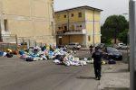 Mancata raccolta dei rifiuti a Cosenza, protesta nel quartiere Serra Spiga