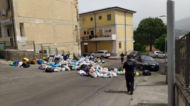 rifiuti, serra spiga, Cosenza, Calabria, Cronaca