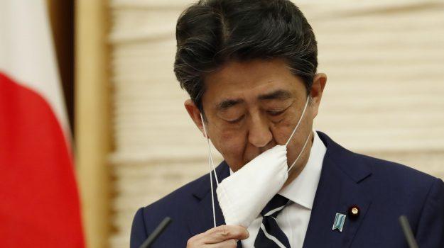 Coronavirus, il Giappone annuncia la fine dello stato di emergenza