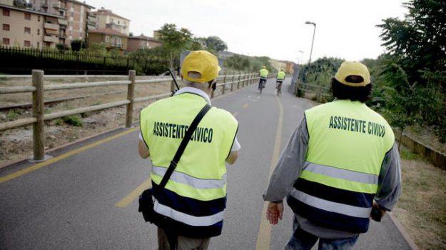 assistenti civici, reddito di cittadinanza, viminale, Francesco Boccia, Luciana Lamorgese, Matteo Renzi, Nunzia Catalfo, Sicilia, Politica