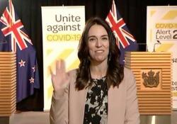 C'è un terremoto, ma la premier neozelandese resta impassibile Jacinda Ardern stava rilasciando un'intervista alla tv quando una scossa di terremoto di magnitudo 5.8 ha colpito la Nuova Zelanda - CorriereTV
