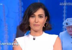"""Caterina Balivo torna in tv dopo due mesi e si commuove La conduttrice di """"Vieni da me"""" su Rai 1 parla al suo pubblico prima di iniziare la puntata - Ansa"""