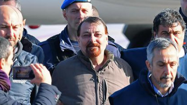 corigliano-rossano, terrorismo, Cesare Battisti, Cosenza, Calabria, Cronaca