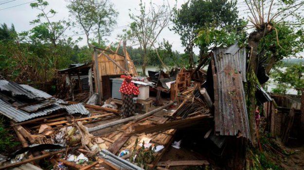 ciclone, Mamata Barnerjee, Sicilia, Mondo