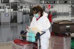 Un positivo al Coronavirus sul volo Londra-Lamezia, tutti i passeggeri in quarantena
