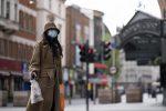 Positivo al Coronavirus le sputa addosso, muore una bigliettaia di Londra