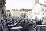 Fase 2, riaprono i ristoranti: menù on line e distanza di almeno un metro