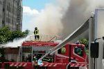 Paura per un incendio a Messina, rogo nei pressi dell'ex ospedale Margherita - Video