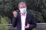 In Sicilia mascherina anche all'aperto, Musumeci: verso sanzioni per chi non la usa