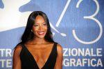 Da Briatore ai segreti di bellezza: Naomi Campbell compie 50 anni, tutto sulla Venere nera