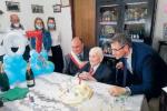 """Locri, i 107 anni di nonno Cosimo: """"Il segreto? Ogni mattina mezzo litro di vino"""""""