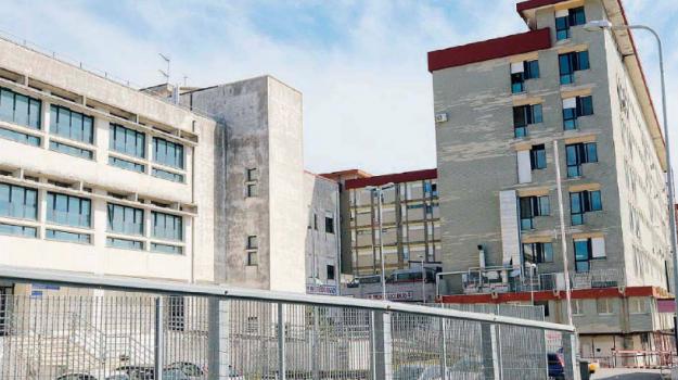 coronavirus, ospedale pugliese, Catanzaro, Calabria, Cronaca