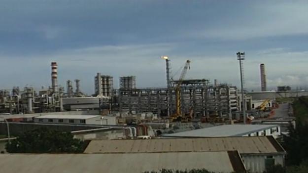 milazzo, raffineria, regione siciliana, Messina, Sicilia, Economia