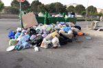 Emergenza rifiuti a Crotone, da domani al via raccolta immondizia dalle strade