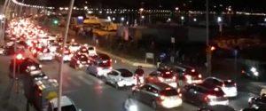 Sul lungomare di Napoli traffico bloccato fino alle 4 del mattino, assembramenti e risse