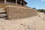 Terrazzamento abusivo scoperto sulla spiaggia di Isola Capo Rizzuto, sequestrato