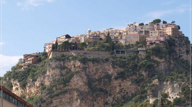 capri leone, castelmola, centri storici, limina, regione siciliana, Messina, Sicilia, Economia