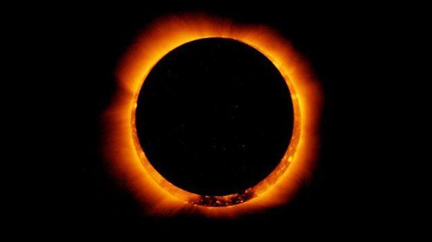eclissi, estate, Sicilia, Società