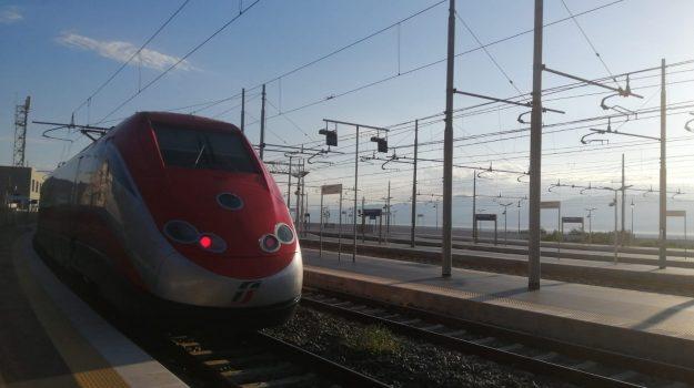 collegamenti, treni, turismo, Reggio, Calabria, Economia