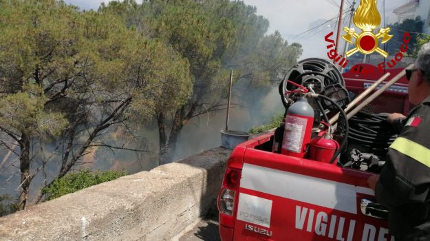 incendio, Messina, Sicilia, Cronaca