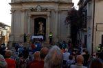 """Posti in chiesa su prenotazione e niente processione: la """"nuova"""" festa della Madonna del Soccorso a Monterosso"""